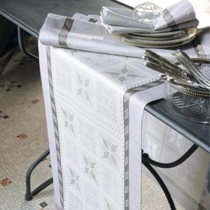 ガルニエ・ティエボーテーブルランナー アンティークテール