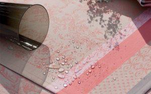ガルニエ・ティエボーランチョンマット アムールピスタチオの撥水イメージ