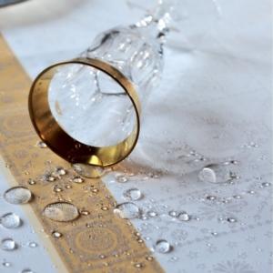 ガルニエ・ティエボーテーブルクロス アンペラトリスゴールドの撥水イメージ