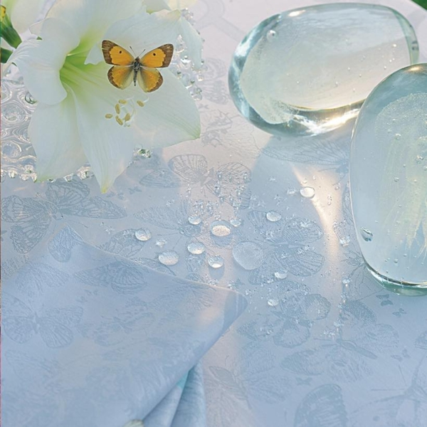 ガルニエ・ティエボーテーブルクロス ミステリューズエメラルドの撥水イメージ